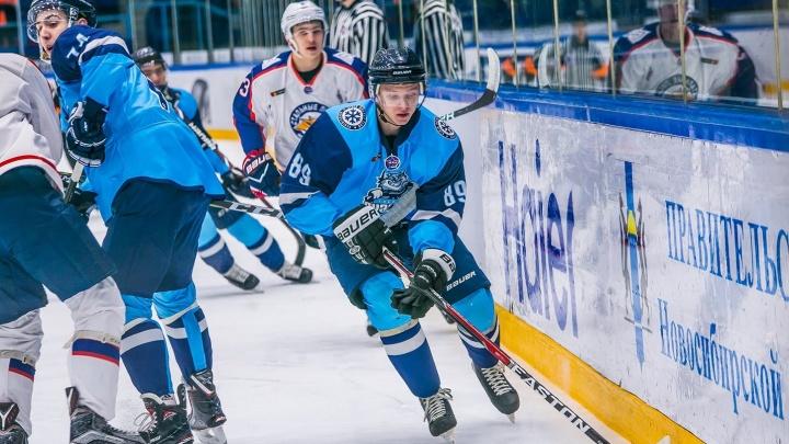 Хоккей: «Сибирские снайперы» второй раз проиграли «Стальным лисам»