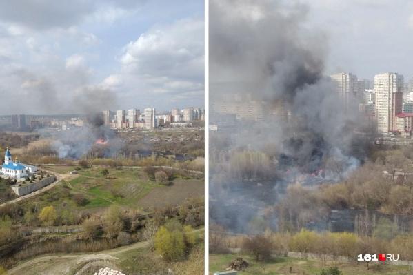 Пожар занимает две тысячи квадратных метров