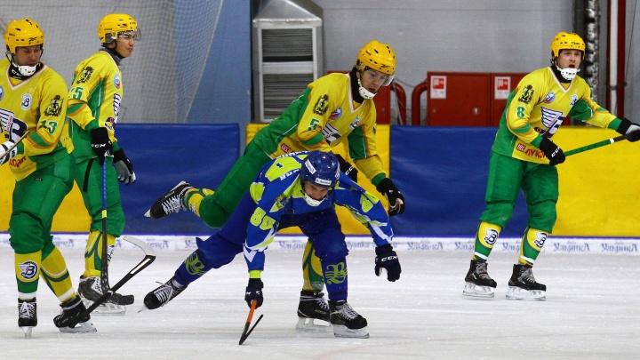 На выездном матче чемпионата России архангельский «Водник» разгромил ульяновскую «Волгу»