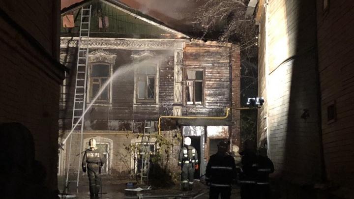 Ночной пожар в историческом центре Самары: горели два дома