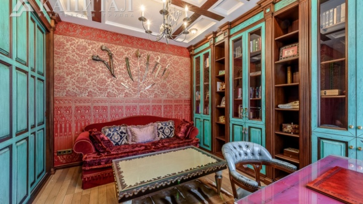 «Троны опять в моде»: риелтор, который продает элитные квартиры, — о сумасшедших интерьерах