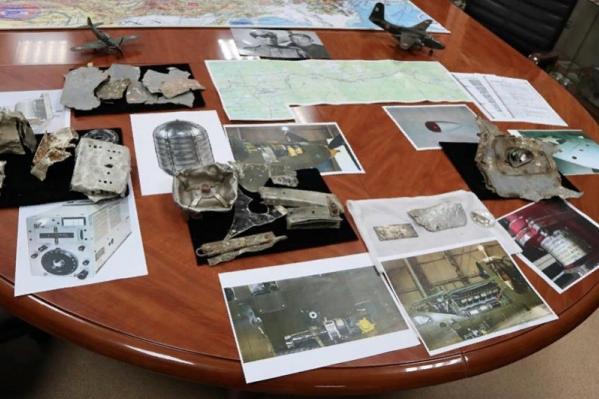 Фрагменты и фотографии разбившегося самолёта