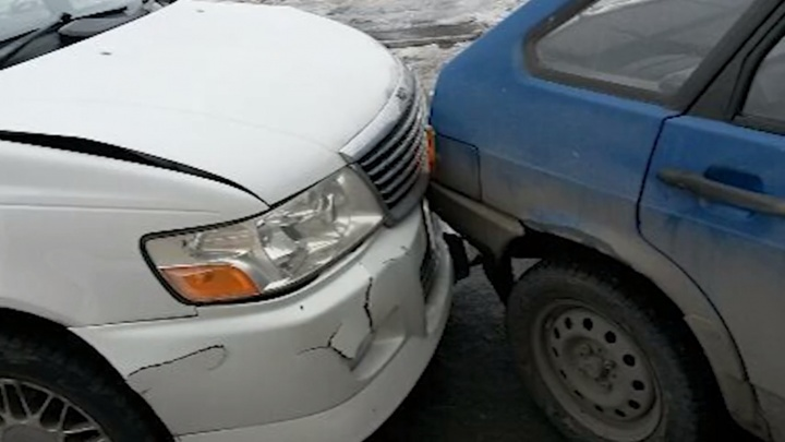 Омич разбил свой кроссовер, чтобы получить 120 тысяч от страховщиков