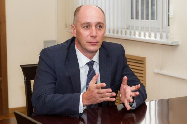 По словам Сергея Приколотина, в ближайшее время резких смен курса в здравоохранении региона не предвидится