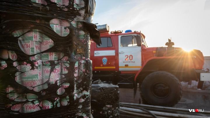 Сгорела«Новинка»: на сгоревшем складе Волгограда спасли всего несколько рулонов туалетной бумаги