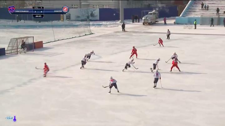 Хоккей с мячом: «Сибсельмаш» проиграл «Енисею»