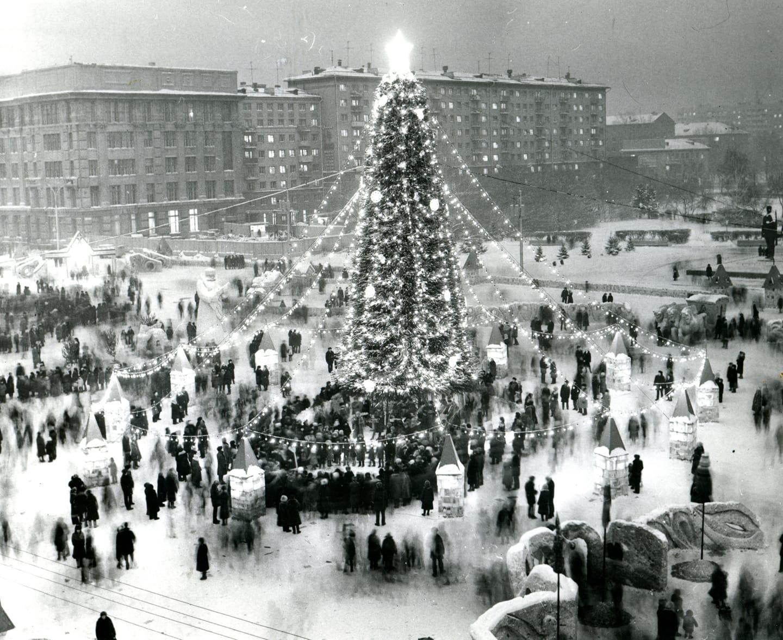 Ёлка на площади Ленина в конце 70-х
