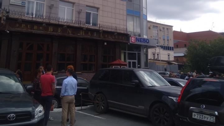 Бизнес-центр «Небо» эвакуировали из-за пенсионерки, которая сообщила о бомбе