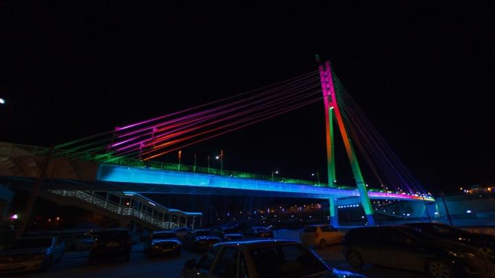 Уроженец Украины грозился спрыгнуть с тюменского моста Влюбленных