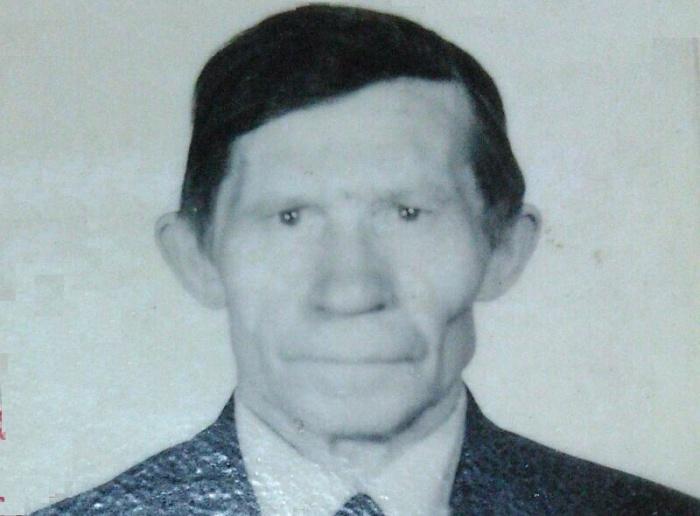 По словам родственников, у Рудольфа Николаевича с собой ничего нет, и уехать на транспорте он не может