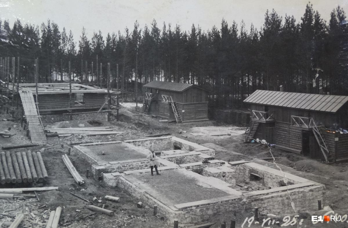 Закладка фундаментов домов