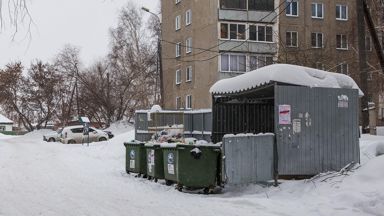 Плату за содержание мусорных площадок у домов включили в расходы на содержание общедомового имущества