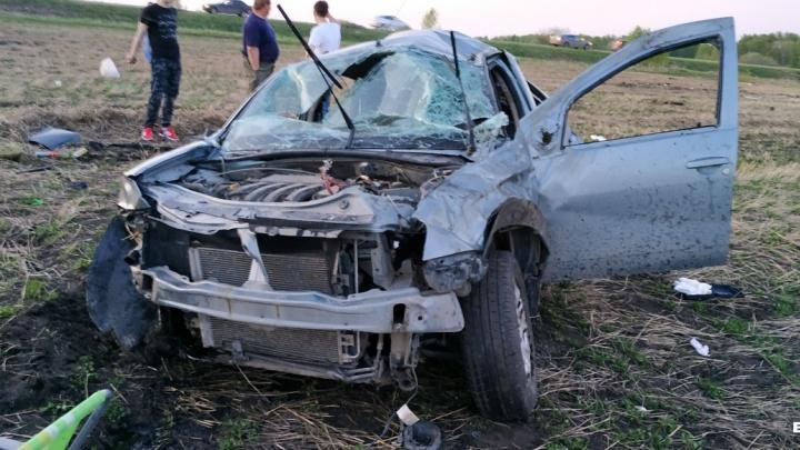 Уснул за рулем: в Свердловской области тюменец вылетел с дороги и перевернулся