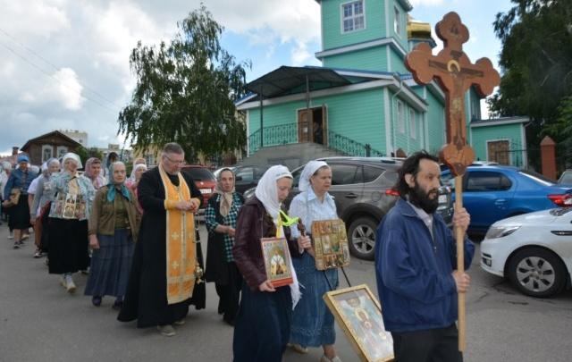 В Уфе начался Крестный ход, посвященный Святым апостолам Петру и Павлу
