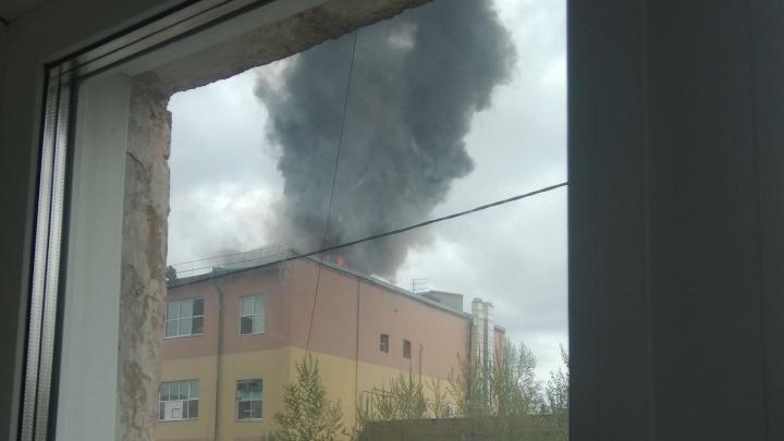 На омском хлебозаводе произошёл пожар