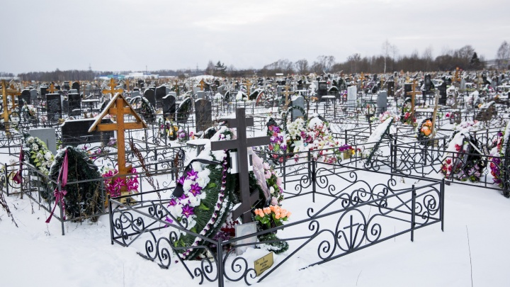 Новый участок Осташинского кладбища не успели достроить в срок: что теперь будет