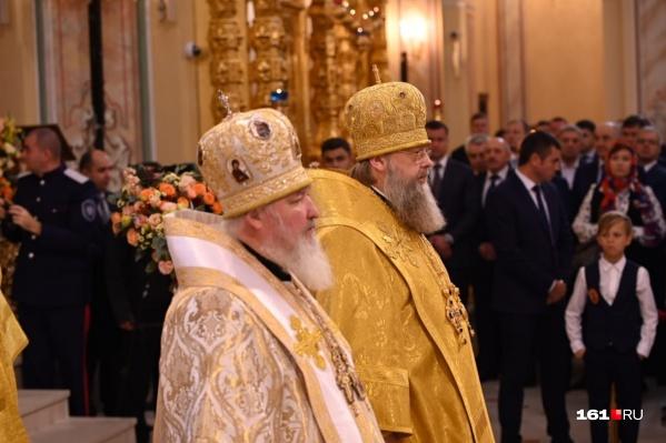 Патриарх Кирилл и митрополит Меркурий на освящении кафедрального собора в Ростове