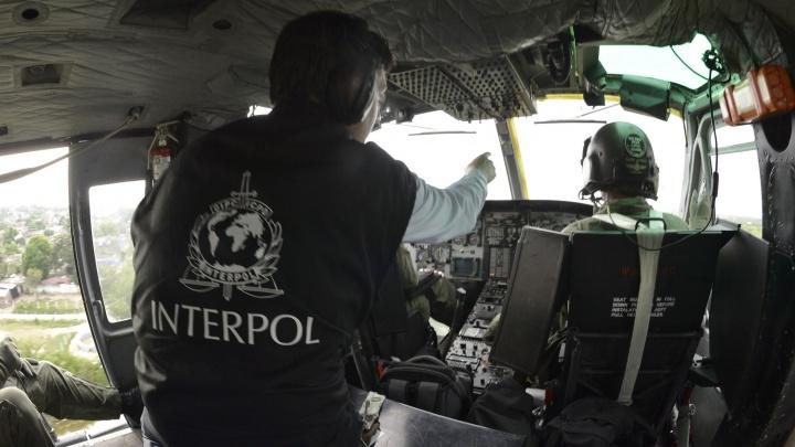 Их ищет Интерпол: за что международная полиция разыскивает девять омичей