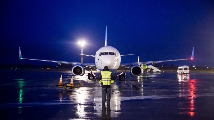 Самолёт во Вьетнам вернулся в Новосибирск через полтора часа после вылета