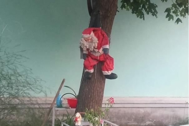 Фото дня. Санта Клаус спекся в Навашине