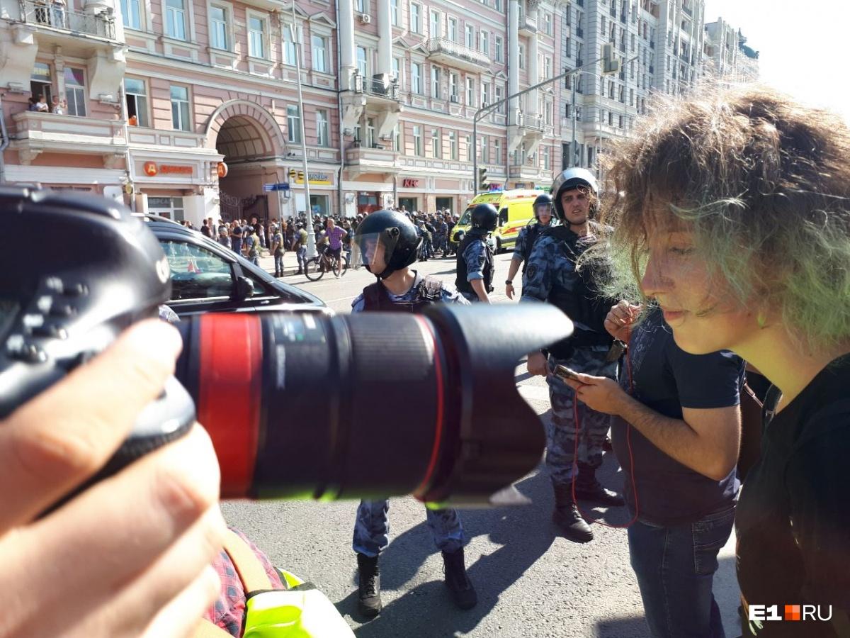 Аглая оказалась в одном спецприемнике с Навальным, который делился с ней свежими газетами