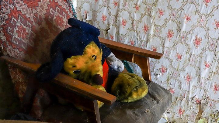 Жительницу Новочеркасска обвинили в жестоком обращении с детьми