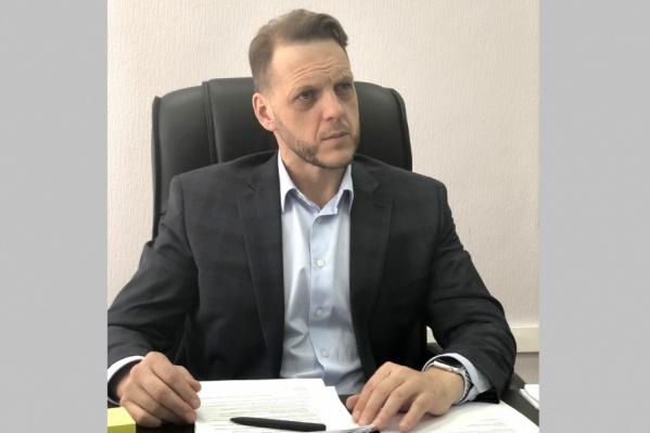 Евгений Пономарёв руководил областной жилищной инспекцией с июня 2015 года, а до этого возглавлял Ленинский район Новосибирска