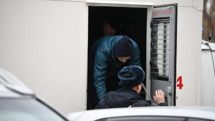В Екатеринбурге за экстремизм судят создателей «тюремного» сообщества «А.У.Е»