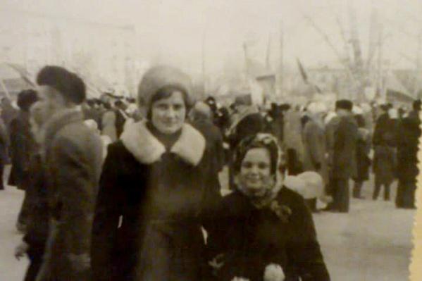 На фото Новосибирск 7 ноября 1984 года