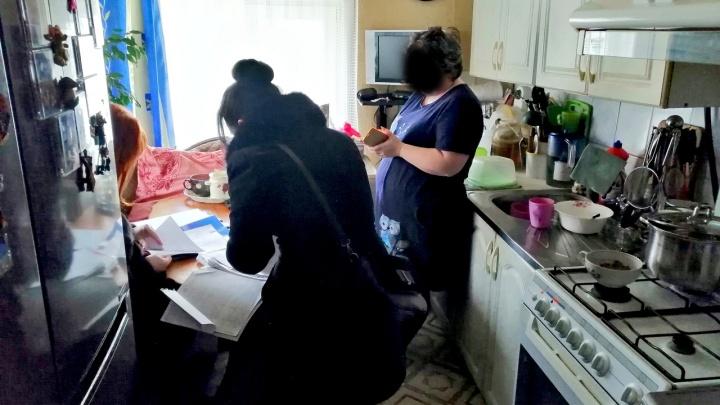 Устала ждать: жительница Ярославской области забрала у бывшего мужа 20 ружей