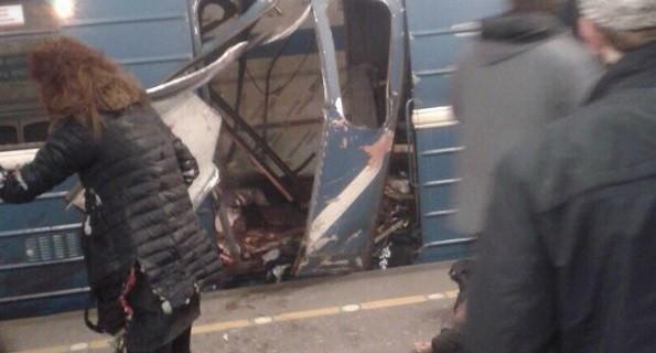 В метро Санкт-Петербурга произошёл теракт, погибли 11 человек. Все подробности