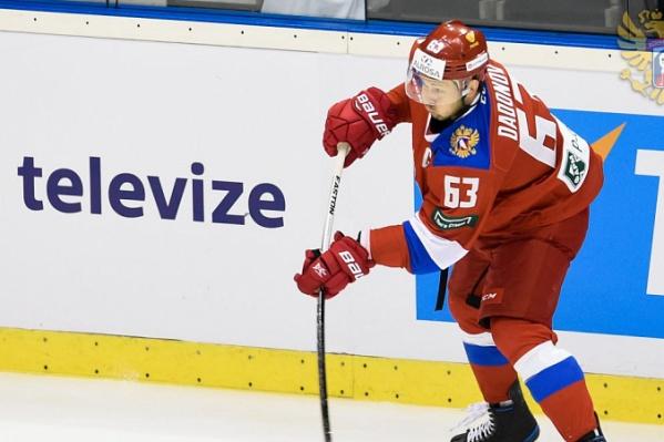 Вторую игру подряд челябинский хоккеист забивает по две шайбы