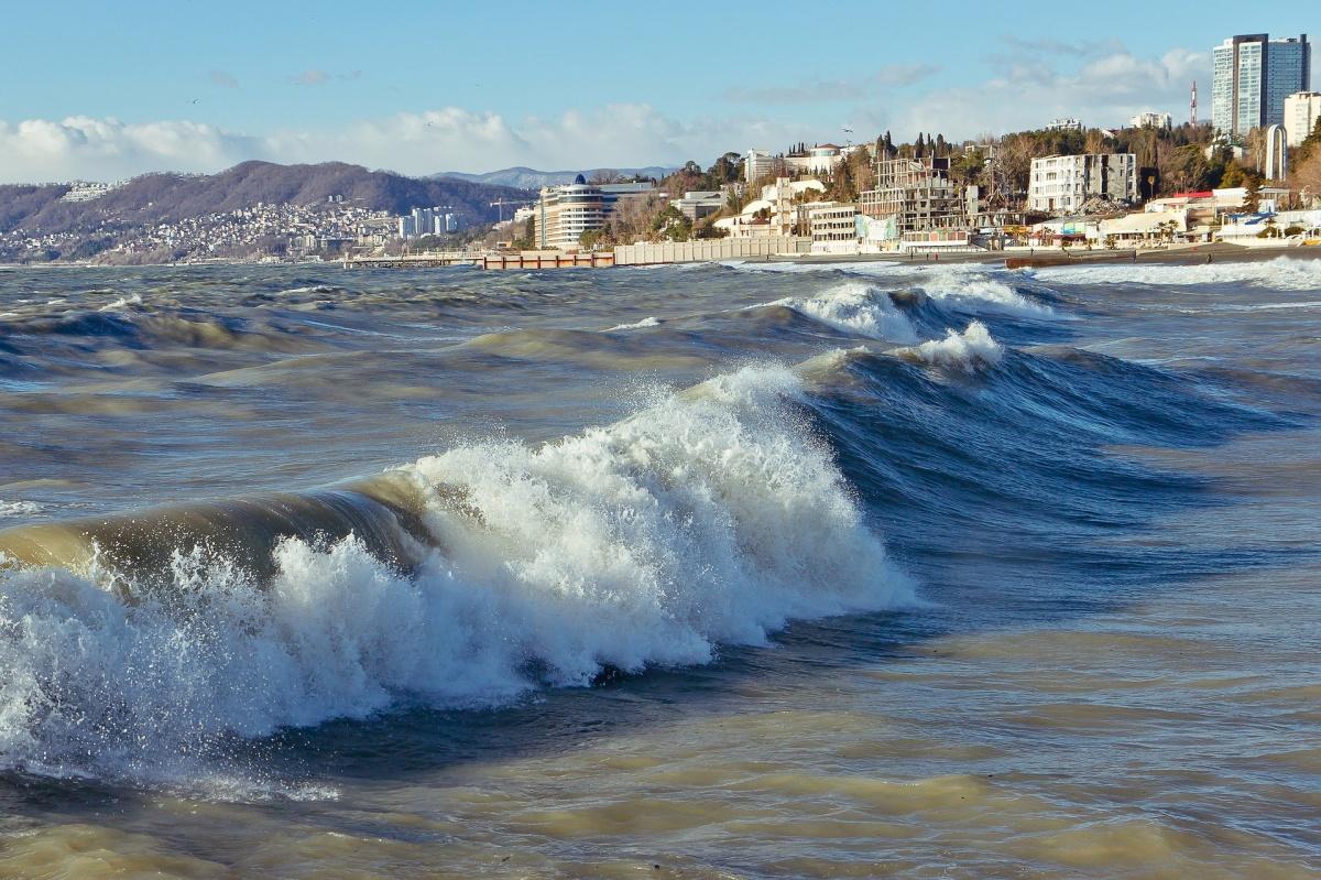 Переезжаем к морю: подводные камни и выгода