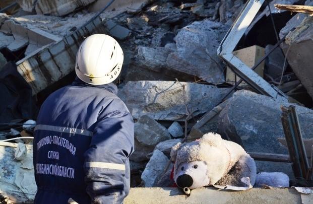 Владимир Путин наградил спасателей, работавших на месте взрыва жилого дома в Магнитогорске
