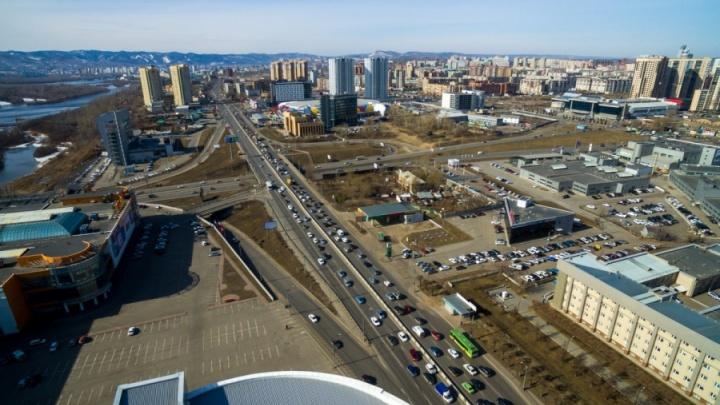 В Красноярске почти на неделю перекрыли дороги на «Взлётке»