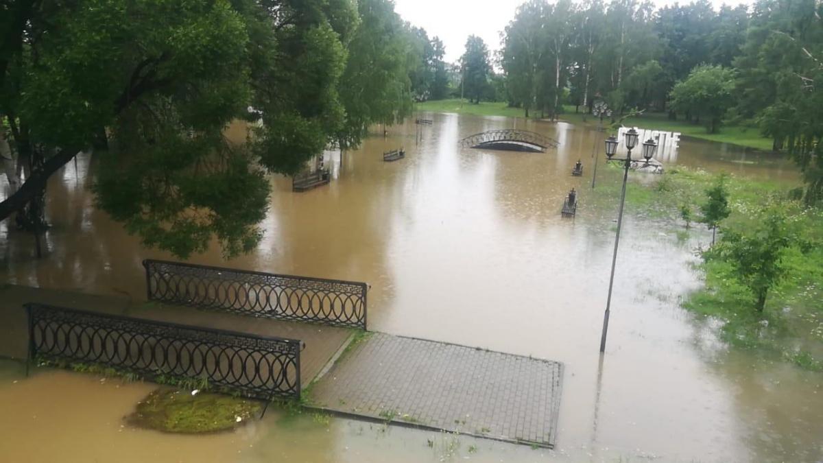 В Берёзовском затопило парк
