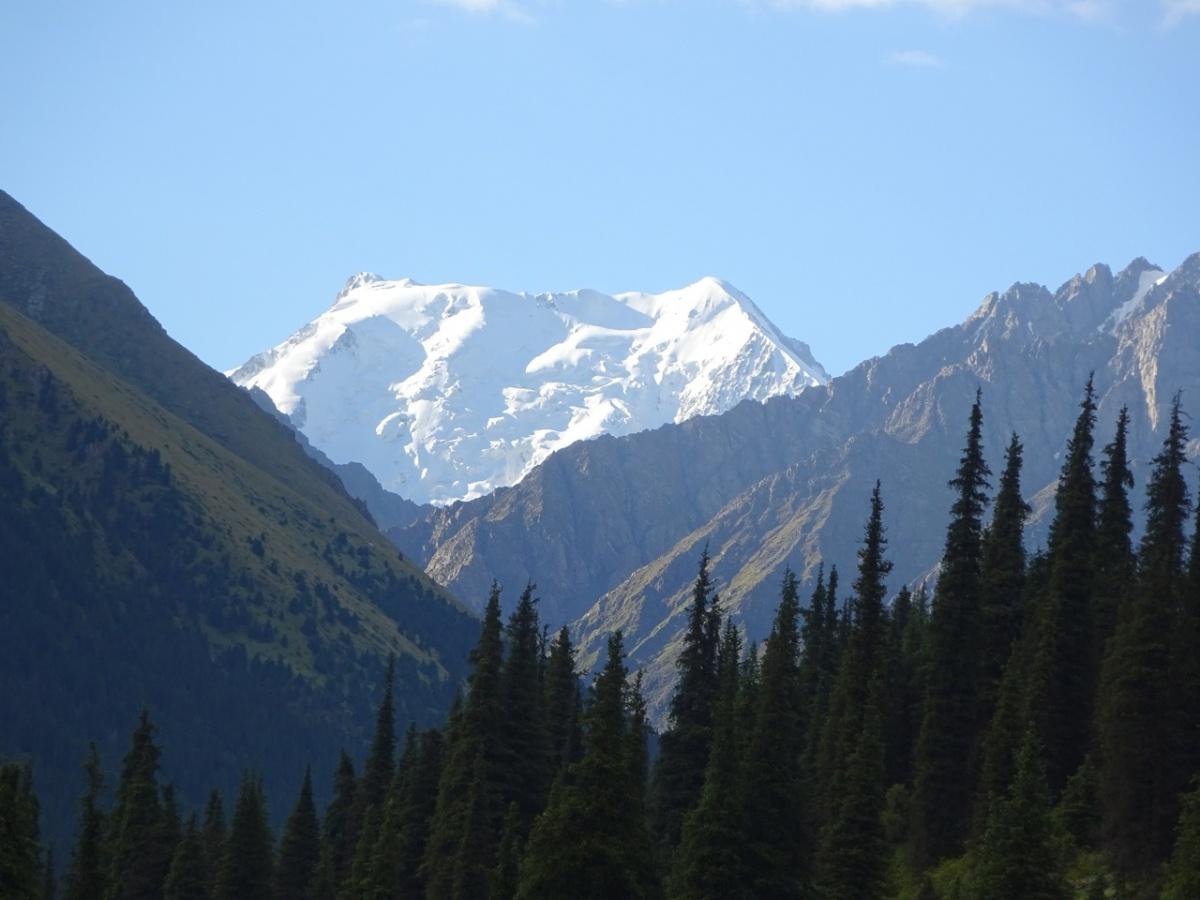 Горы Киргизии — одни из самых красивых в мире