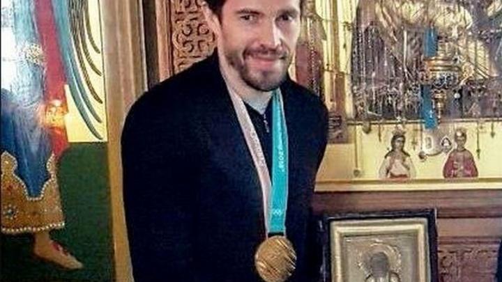 Павел Дацюк подарил свою золотую медаль женскому монастырю