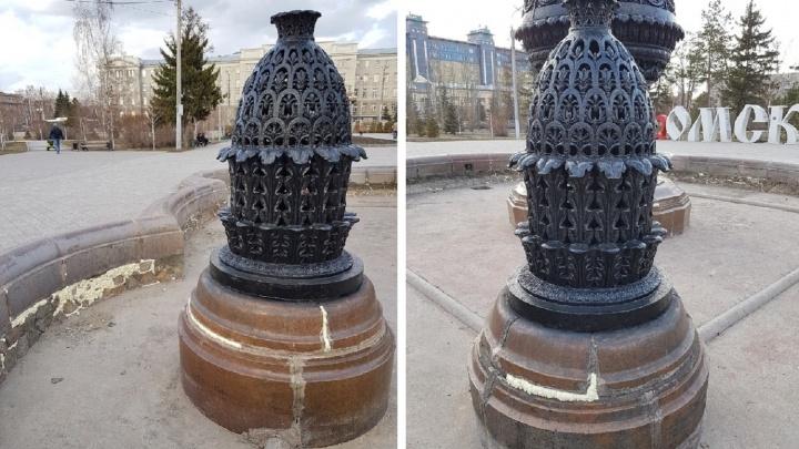 Старейший фонтан Омска отремонтировали монтажной пеной