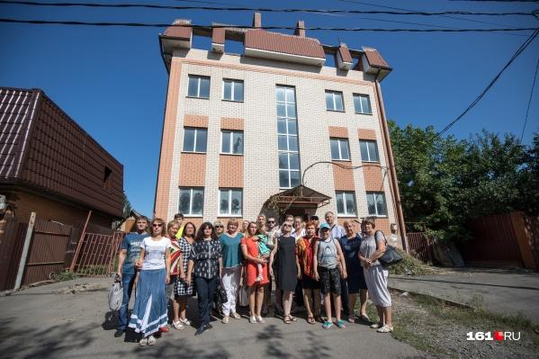 Жители Ростова сообща пытаются решить возникшую в городе проблему самостроев