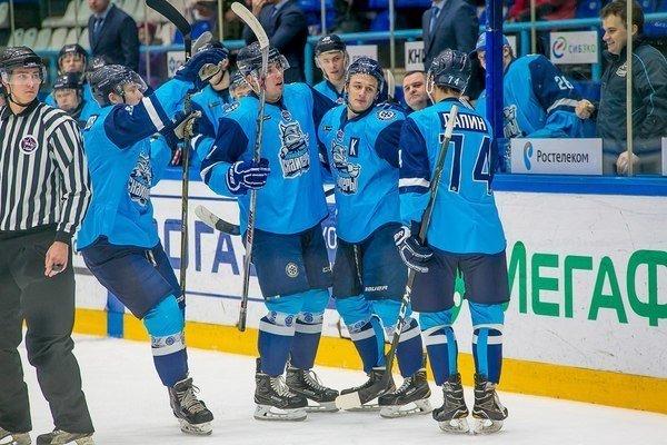 Хоккей: «Сибирские снайперы» одолели «Толпар»