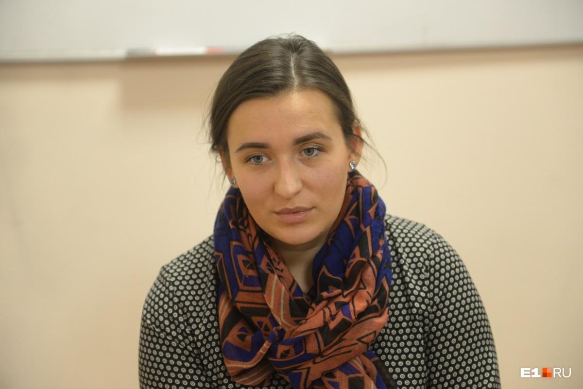 Дарья Ди Сальвио по образованию и профессии музыкант, вокалистка, она готова обеспечить дочери достойную жизнь в Екатеринбурге