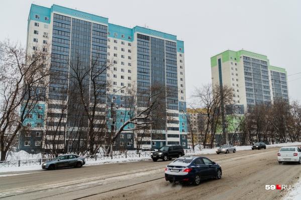 Судя по проекту, улица Столбовая расширится в сторону этих домов