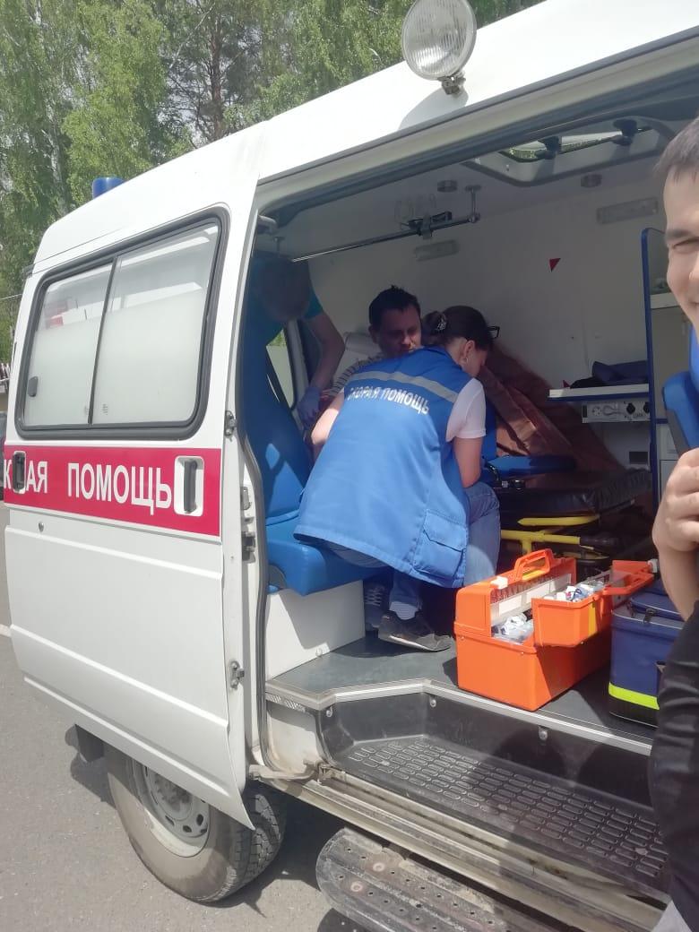 Медики скорой в Нижних Сергах наложили тугую повязку поверх укуса. Этого делать нельзя