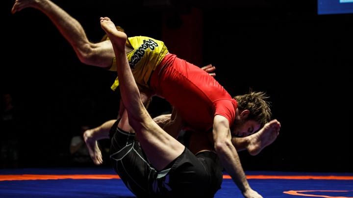 Тренер Ивана Штыркова завоевал бронзу на профессиональном борцовском турнире в Екатеринбурге