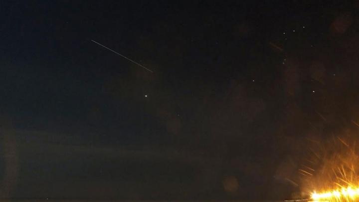 Сибирячка увидела космический корабль в ночном небе