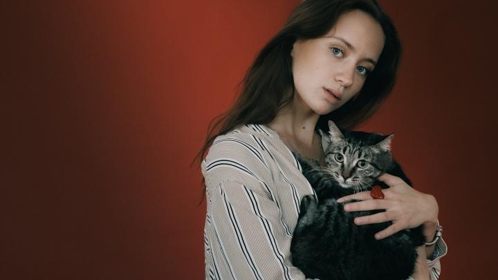 Фотомодели помогли пристроить десяток бездомных животных Красноярска трогательной фотосессией