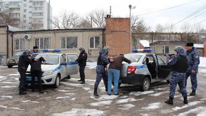 Не сошлись в музыкальных вкусах: в ростовском караоке-клубе произошла массовая драка