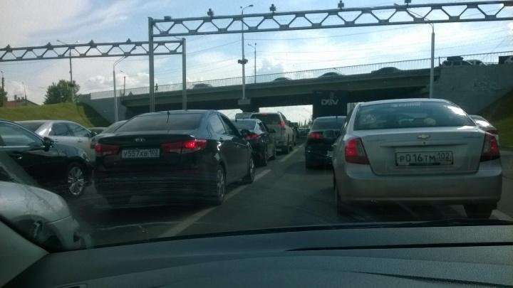 «Всем доброе утро!»: главную уфимскую магистраль парализовали пробки