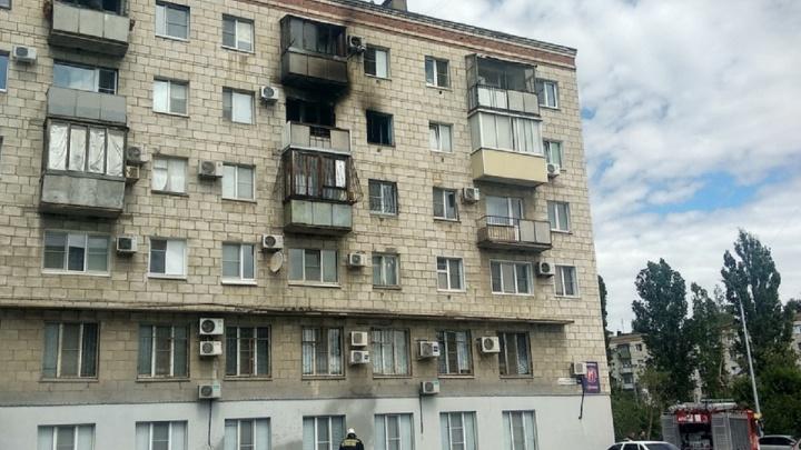 Секс-шоп удалось отстоять: пожарные полчаса тушили дом в центре Волгограда